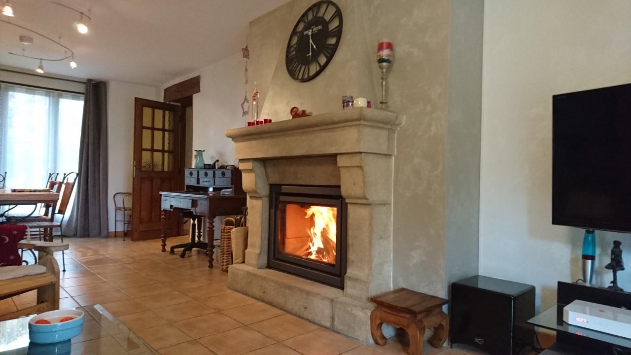 cheminee moderne ouverte cheminee grand foyer ouvert et installer un insert dans une chemin e. Black Bedroom Furniture Sets. Home Design Ideas